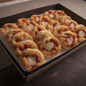 Catering antipasto pizzette pane 09