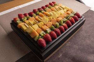 Catering dolci spiedini frutta 02